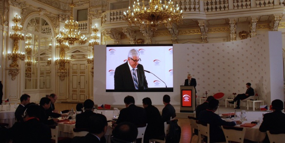 On Wednesday 13th November 2013, Prime Minister Jiří Rusnok took part in a Chinese Investment Forum in the Spanish Hall at Prague Castle.