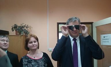 Min. Dienstbier na návštěvě TyfloCentra pro zrakově postižené v Hradci Kralové
