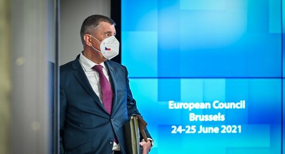 Premiér Babiš na summitu v Bruselu s dalšími lídry EU řešil mimo jiné aktuální vývoj pandemie covid-19 či problematiku migrace, 24. června 2021.