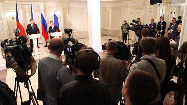 Prime Minister: Czech companies offer Western quality at Eastern prices