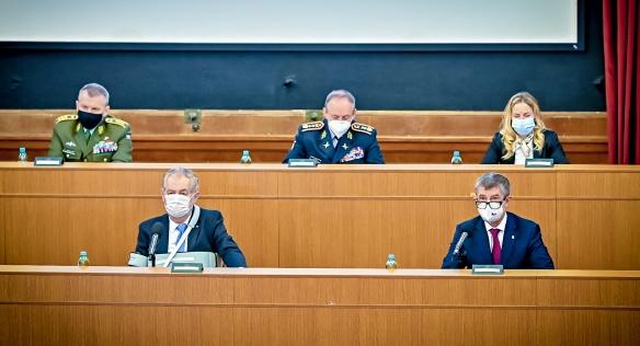 Premiér Babiš poděkoval vojákům za pomoc v boji s epidemií, 24. listopadu 2020.