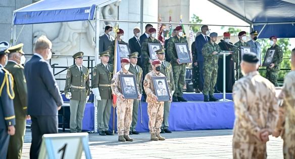 Slavnostním nástupem na Vítkově završila Armáda ČR své dvacetileté působení v Afghánistánu, 3. září 2021.