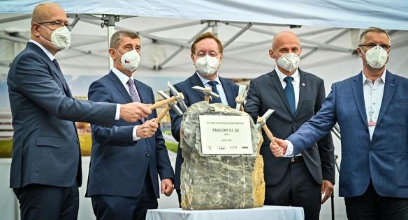 Předseda vlády se v IKEM zúčastnil položení základního kamene nových pavilonů, 12. května 2021.