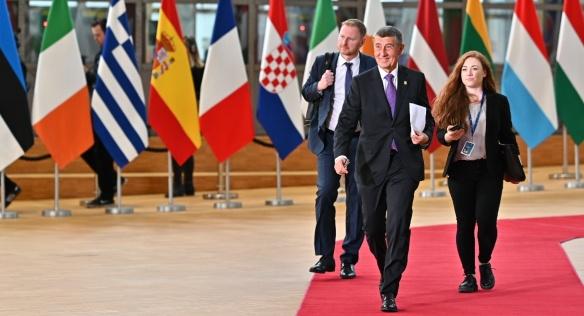 Česk premiér přichází na Evropskou radu, 20. února 2020.