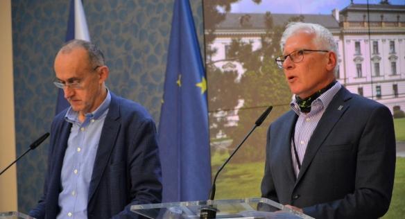 Tisková konference po jednání Rady pro výzkum, vývoj a inovace, 26. června 2020.