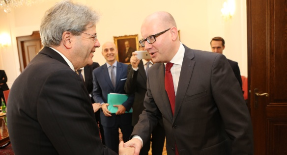 On Thursday 17 March 2016 Prime Minister Bohuslav Sobotka met in the Chamber of Deputies with the Minister of Foreign Affairs of Italy, Paolo Gentiloni.