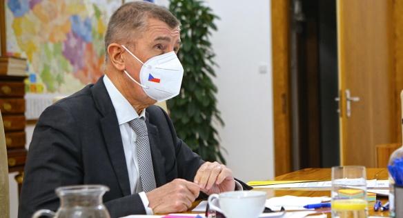 Předseda vlády Andrej Babiš během mimořádné schůze kabinetu, 26. března 2021.
