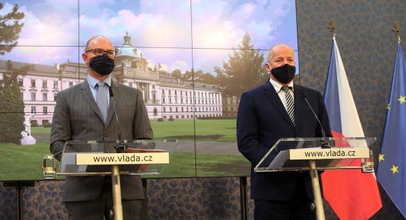 Tisková konference po mimořádném jednání vlády ke koronaviru, 8. října 2020.