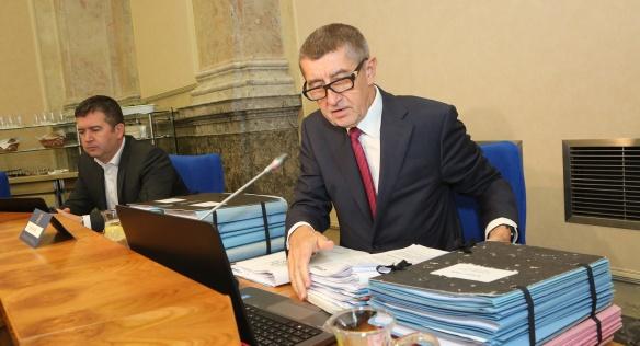 Premiér Andrej Babiš se chystá zahájit další jednání vlády, která se bude zabývat například odpadovou legislativou,9. prosince 2019.