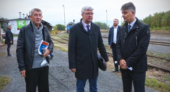 V Kladně proběhla tisková konference k modernizaci železniční trati s odbočkou na letiště, 7. října 2021.