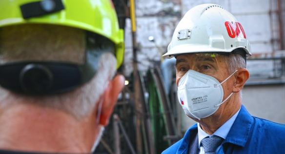 Předseda vlády Andrej Babiš během prohlídky společnosti OKD, 15. července 2021.