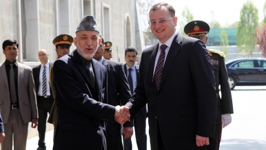 Prime Minister spends weekend with Czech soldiers in Afghanistan, 13th April 2013