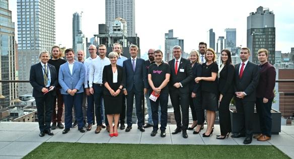 V rámci návštěvy CzechAcceleratoru v New Yorku se premiér Babiš a vicepremiér Havlíček setkali se zástupci českých start-upů, 23. září 2019.