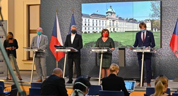 Tisková konference po jednání vlády, 11. května 2020.