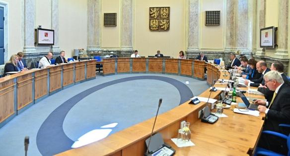Vláda Andreje Babiše se na jednání v pondělí 24. června 2019 zabývala především přípravou nového státního rozpočtu.