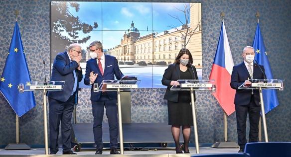 Tisková konference po mimořádném jednání tripartity, 1. února 2021.