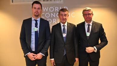 Andrej Babiš se členy delegace Vladimírem Dzurillou a Karlem Havlíčkem, 25. ledna 2019.