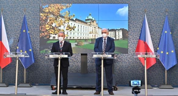 Tisková konference po jednání tripartity, 12. října 2020.