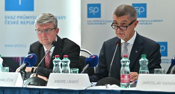 Premiér na Mezinárodním strojírenském veletrhu otevřel expozici Czech Republic: The Country for the Future, 7. října 2019
