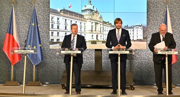 Vláda Andreje Babiše na prvním jednání v roce 2020 schválila např. podmínky výběrového řízení na ředitele NÚKIB, 6. ledna 2020.