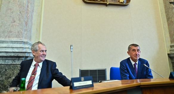 Prezident Miloš Zeman a premiér Andrej Babiš ve Strakově akademii při projednávání návrhu státní rozpočtu na rok 2020, 16. září 2019.