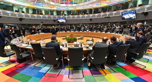 Hlavním tématem jednání premiérů a prezidentů zemí EU v Evropské radě byl požadavek Velké Británie na odklad brexitu, 22. března 2019.