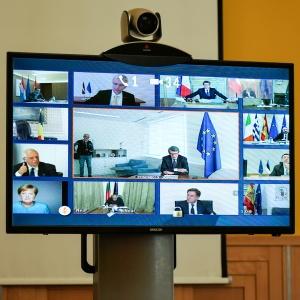Premiér jednal s evropskými lídry o společném postupu proti pandemii