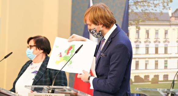Vláda se na zasedání opět zabývala bojem proti koronaviru, 1. června 2020.