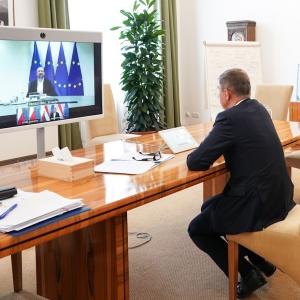 Premiéři V4 jednali s předsedou Evropské rady Charlesem Michelem o dlouhodobém rozpočtu EU a novém nástroji pro obnovu