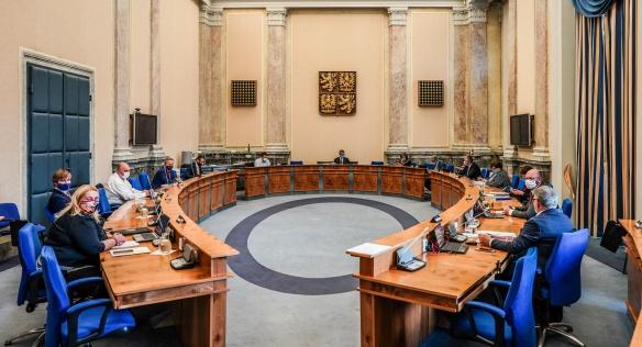 Vláda se opět sešla k jednání v zasedacím sále Úřadu vlády, 15. června 2020.