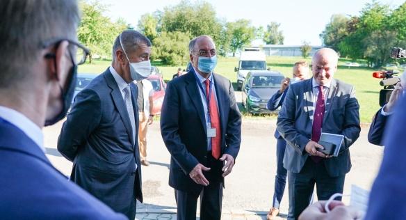 Premiér Andrej Babiš navštívil společnost NOVAVAX, 25. srpna 2020.