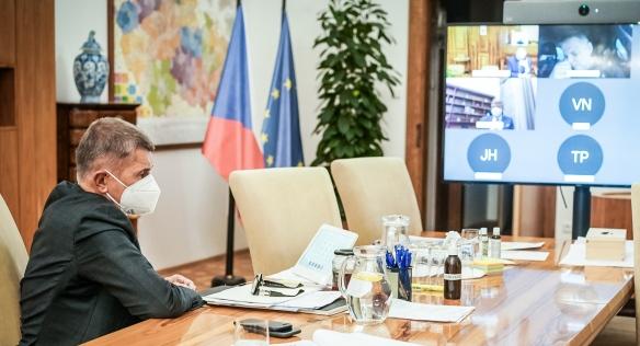 Předseda vlády Andrej Babiš během mimořádné schůze kabinetu, 23. října 2020.
