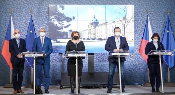 Tisková konference po jednání vlády, 8. února 2021.