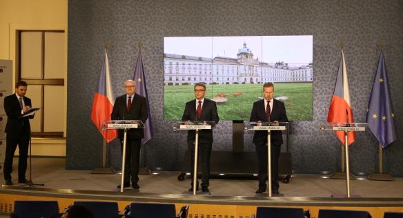 Tisková konference po jednání vlády, 6. listopadu 2017