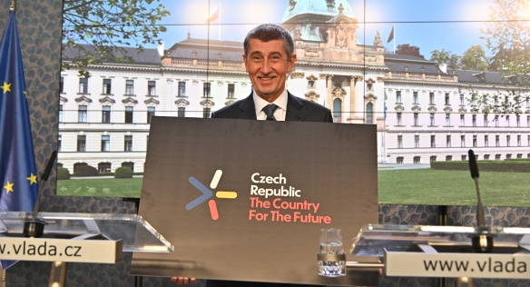 Prime Minister Andrej Babiš introduces to journalists a new logo to promote the Czech Republic's Innovation Strategy, 23 January 2019