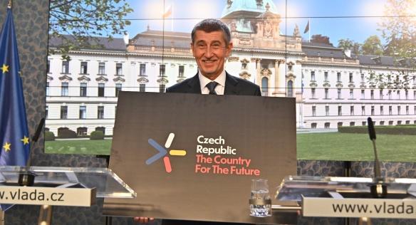 Předseda vlády Andrej Babiš představil novinářům nové logo, kterým bude ČR propagovat svou inovační strategii
