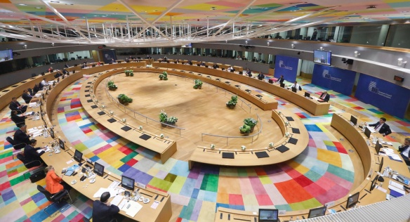 Mimořádný summit Evropské rady o novém rozpočtu EU a plánu na podporu oživení po pandemii koronaviru se protáhl až do úterý, 21. července 2020.