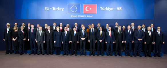 Group photo of the Heads of State and Prime Ministers of the EU and Turkey, 7th of March 2016. Source: European Union.