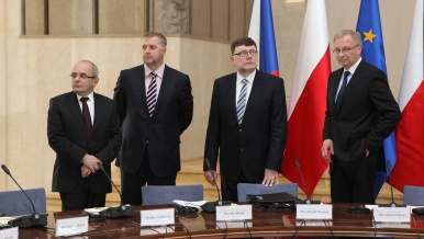 The Czech Prime Minister was accompanied on his trip to Poland by Minister of Defence Vlastimil Picek, Minister of Transport Zbyněk Stanjura, Minister of Agriculture Petr Bendl, Minister for Regional Development Kamil Jankovský.
