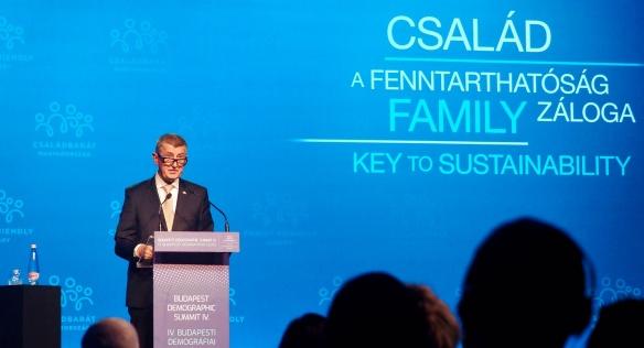 Projev premiéra Andreje Babiše na Demografickém summitu v Budapešti, 23. září 2021.